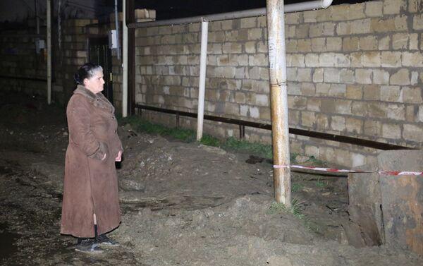 В массиве 1А поселка Локбатан Гарадагского района лопнула водопроводная труба - Sputnik Азербайджан