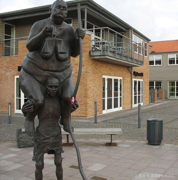 Скульптура Survival of the Fattest, Дания, Копенгаген - Sputnik Азербайджан