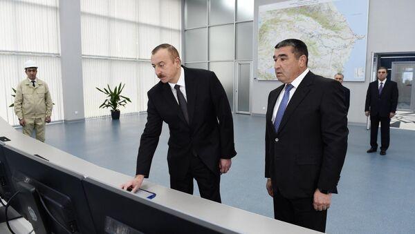 Президент Ильхам Алиев в Мингячевирской ГЭС, введенной в эксплуатацию после реконструкции - Sputnik Азербайджан