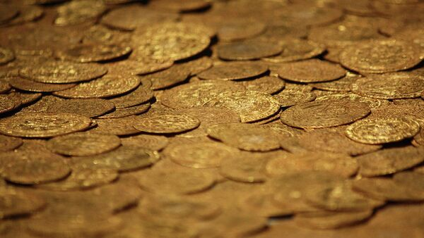 Золотые монеты, фото из архива - Sputnik Азербайджан