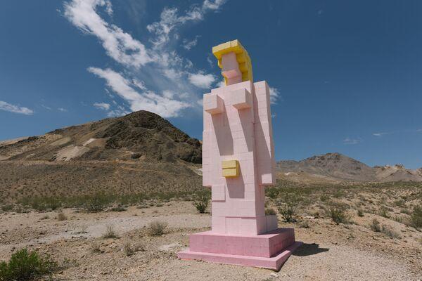 Скульптура Пустынная леди: Венера из Невады в США - Sputnik Азербайджан
