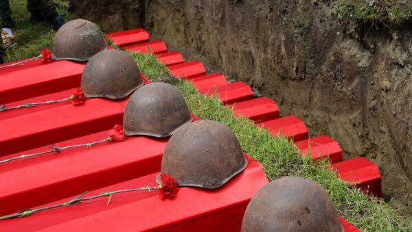 Церемония перезахоронения останков воинов Второй мировой войны, фото из архива - Sputnik Азербайджан