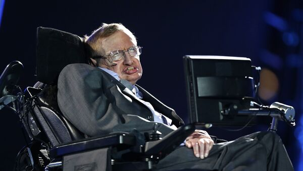 Всемирно известный английский физик-теоретик Стивен Уильям Хокинг - Sputnik Азербайджан
