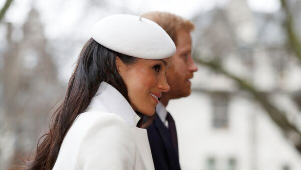 Принц Гарри с невестой Меган Маркл - Sputnik Азербайджан