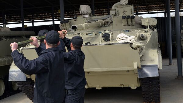 Личный состав и военная техника, привлеченные к учениям возвращены в пункты постоянной дислокации - Sputnik Азербайджан