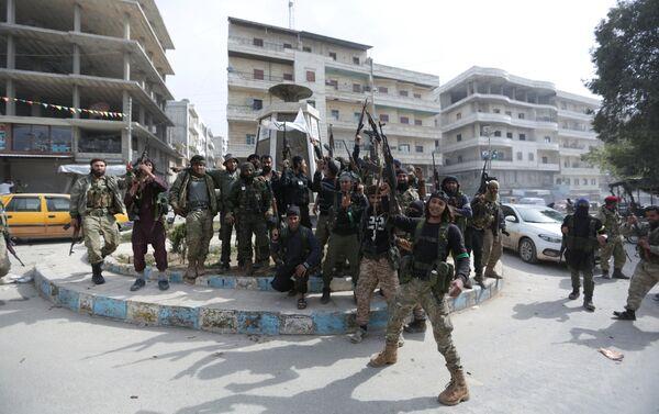 Бойцы Сирийской освободительной армии в Африне, 18 марта 2018 года - Sputnik Азербайджан