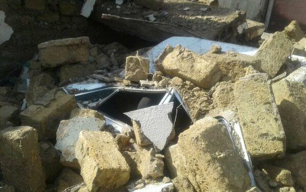 Результат обрушения здания общежития в Баку - Sputnik Азербайджан
