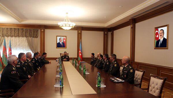 Группе военнослужащих присвоено очередное воинское звание полковник - Sputnik Азербайджан