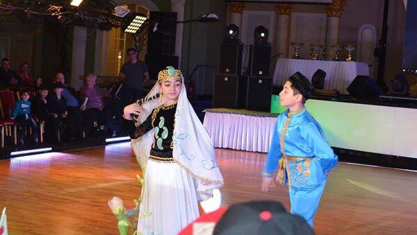 Выступление азербайджанских танцоров на чемпионате Европы по народным танцам в Москве - Sputnik Азербайджан