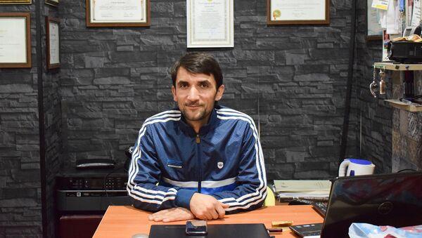Тренер спортивного клуба Нефтчи Этибар Ибрагимов - Sputnik Азербайджан