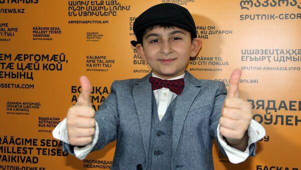 Намик Джабраилов с песней Магомаева прошел во второй тур - Sputnik Азербайджан
