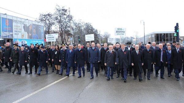Тысячи наших соотечественников совершили шествие в Губинский мемориальный комплекс геноцида - Sputnik Азербайджан