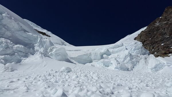 Cход снежной лавины, фото из архива - Sputnik Азербайджан