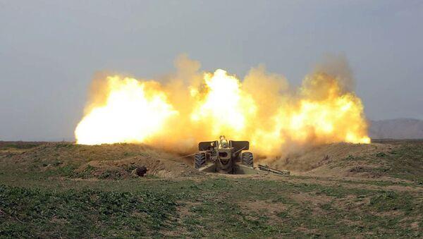В ходе учений ракетных и артиллерийских подразделений проведен этап с боевой стрельбой - Sputnik Азербайджан
