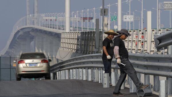 Морской мост Гонконг-Чжухай-Макао в Китае - Sputnik Азербайджан