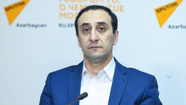 Директор Центра истории Кавказа, азербайджанский историк Ризван Гусейнов - Sputnik Азербайджан