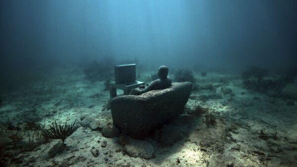 Скульптурная композиция Джейсона Тейлора в Национальном морском парке Канкуна в Мексике - Sputnik Азербайджан