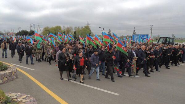 Триумфальное шествие в Горадизе по случаю второй годовщины победы в апрельских боях 2016 года - Sputnik Азербайджан