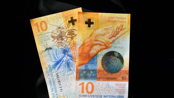 Швейцарская купюра в 10 франков - Sputnik Азербайджан