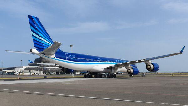 Самолет Азербайджанских авиалиний. Фото из архива AZAL - Sputnik Азербайджан