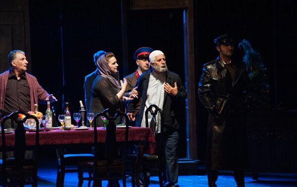Спектакль Обитатели ада на сцене Азербайджанского государственного академического национального театра - Sputnik Азербайджан