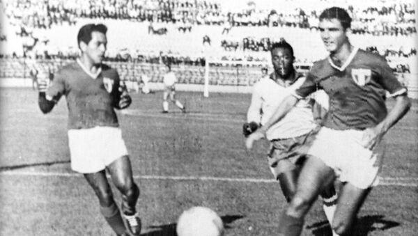 Футбольный матч c  участием Пеле - Sputnik Азербайджан