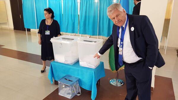 Удо Фойгт — депутат Европейского парламента от Германии, НДПГ - Sputnik Азербайджан