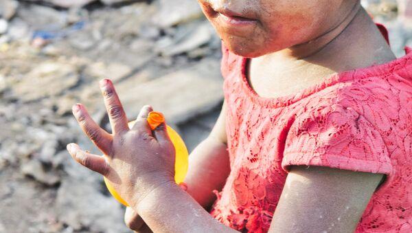 Маленькая девочка, фото из архива - Sputnik Азербайджан