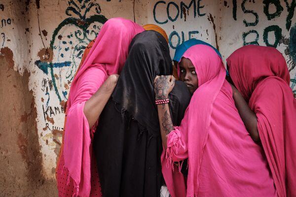 Сомалийские женщины в центре для беженцев Dadaab в Кении - Sputnik Азербайджан