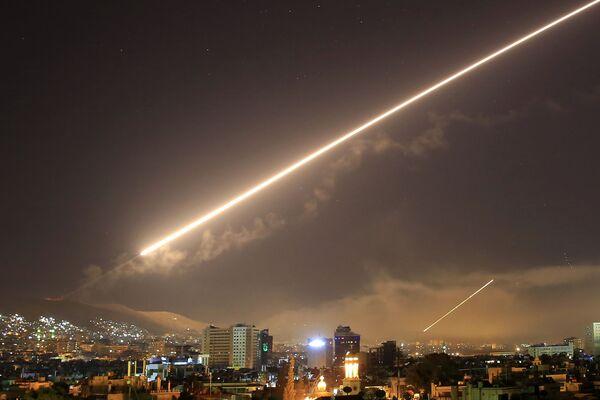 Ракетный удар США по Дамаску, Сирия - Sputnik Азербайджан