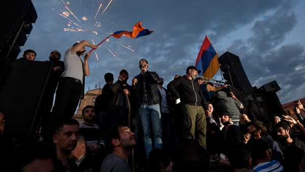 Митинг протестного движения Мой шаг на площади Республики (23 апреля 2018). Ереван - Sputnik Азербайджан