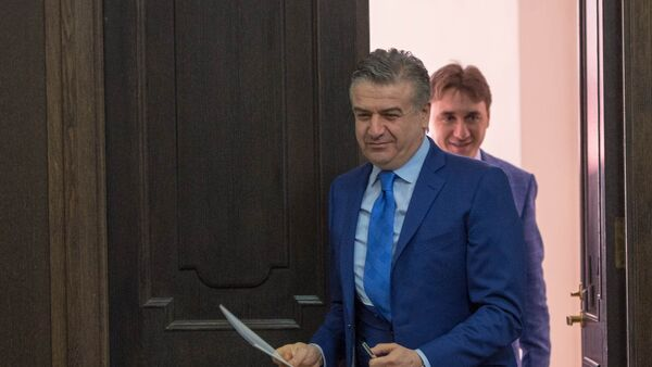 Премьер-министр Армении Карен Карапетян - Sputnik Azərbaycan