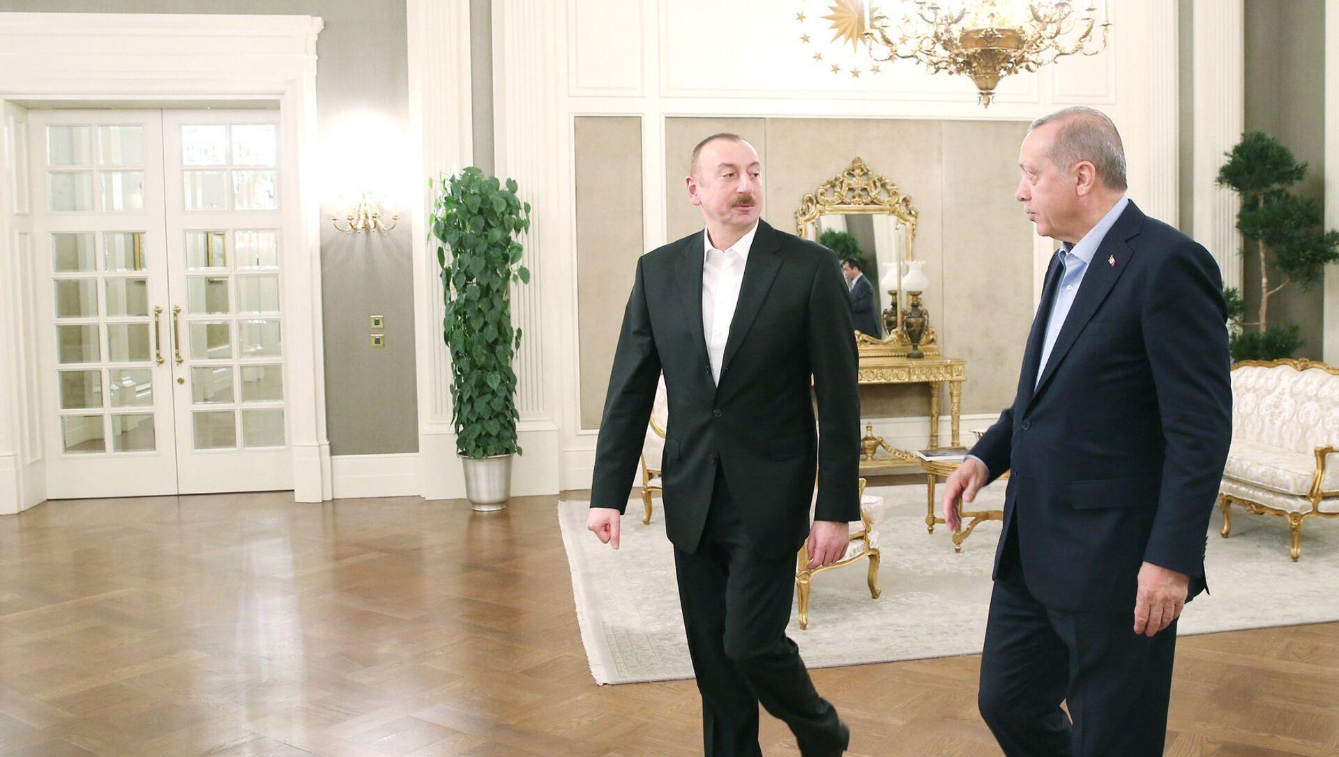 Президенты Турции и Азербайджана Реджеп Тайип Эрдоган и Ильхам Алиев - Sputnik Азербайджан, 1920, 13.08.2021