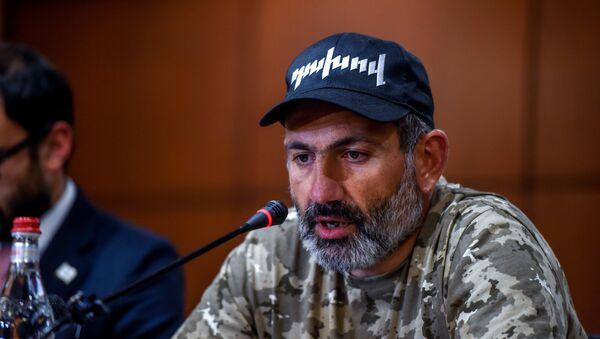 Пресс-конференция Никола Пашиняна (24 апреля 2018). Гостиница Marriott Armenia, Ереван - Sputnik Азербайджан