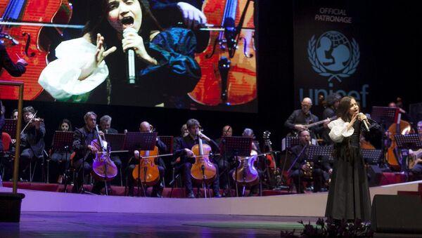 Фидан Гусейнова на международном музыкальном фестивале детского и юношеского творчества в Сан-Ремо - Sputnik Азербайджан