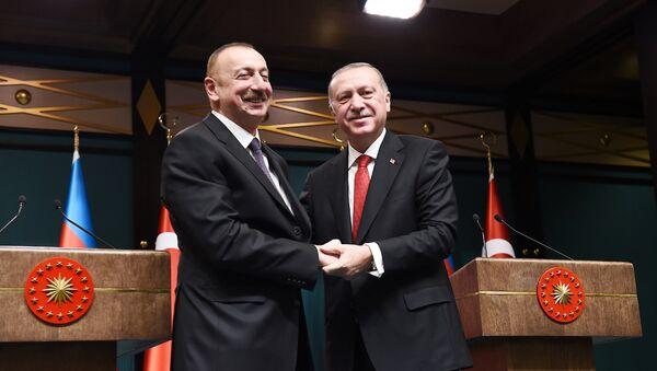 Президенты Азербайджана и Турции Ильхам Алиев и Реджеп Тайип Эрдоган в ходе пресс-конференции по итогам встречи  - Sputnik Азербайджан