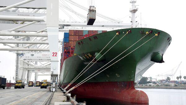 Long Beach Limanında Pier J-də Xin Da Yang Zhou gəmisi - Sputnik Azərbaycan