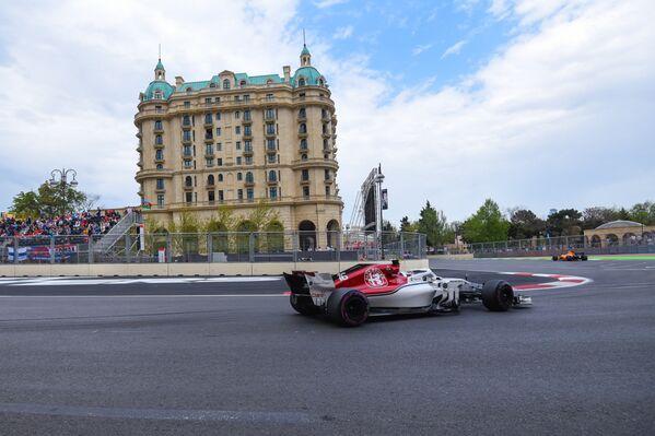 Третий день третьего сезона Гран-при Азербайджана Формулы-1 - Sputnik Азербайджан