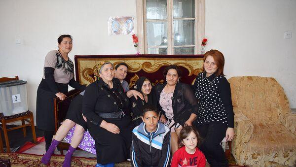 Nəcimə nənənin 7 övladı, 38 nəvəsi, 72 nəticəsi, 10 kötücəsi var - Sputnik Азербайджан