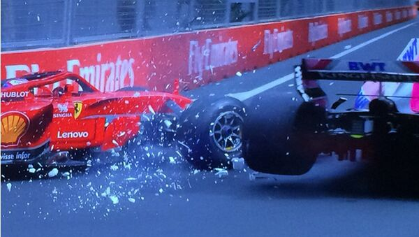 Авария пилотов команд Force India и Williams - Sputnik Азербайджан