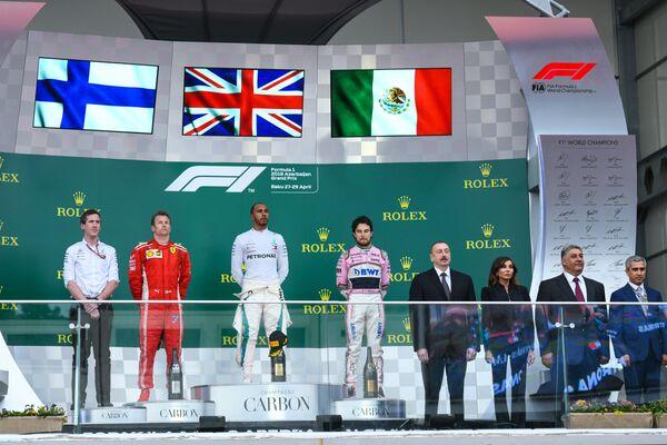 Церемония награждения победителей Гран-при Азербайджана Формулы-1 - Sputnik Азербайджан