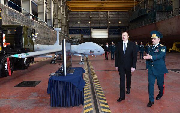 Президент Ильхам Алиев ознакомился с новопостроенным сторожевым пограничным кораблем типа Туфан - Sputnik Азербайджан
