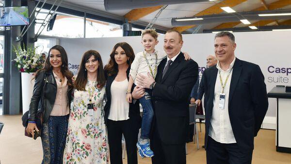 Президент Ильхам Алиев встретился со своим маленьким фанатом - Sputnik Азербайджан