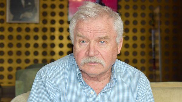Советский и российский актёр театра и кино, кинорежиссёр Сергей Никоненко - Sputnik Азербайджан