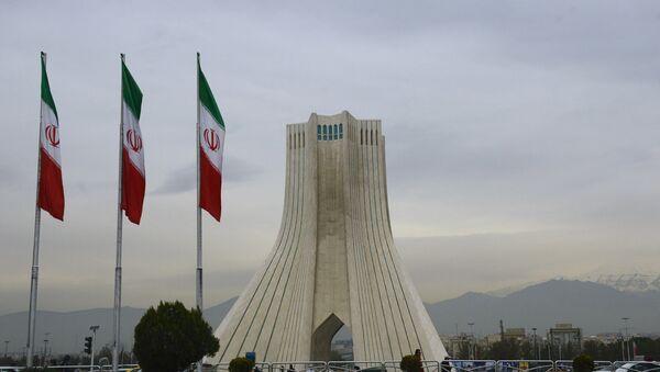 Башня Азади, построенная на одноименной площади в Тегеране - Sputnik Азербайджан