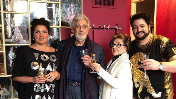 Анна Нетребко, Пласидо Доминго, Марта Доминго и Юсиф Эйвазов (слева направо) - Sputnik Азербайджан