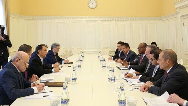 Премьер-министр АР Новруз Мамедов встретился с делегацией Палаты представителей Конгресса США - Sputnik Азербайджан