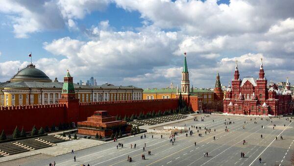 Кремль, Красная площадь в Москве - Sputnik Азербайджан
