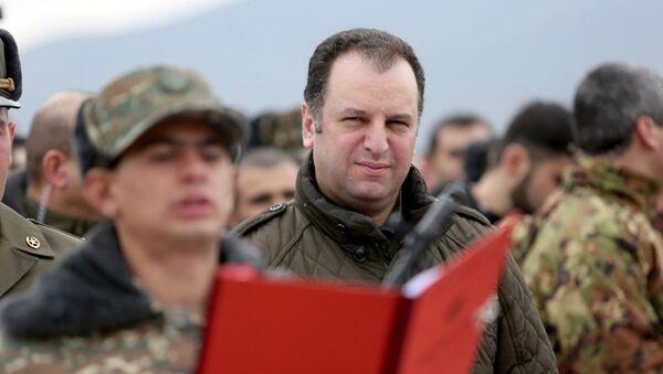 Министр Обороны РА Виген Саркисян принял участие на присяге новобранцев, призванных по программе Это я - Sputnik Azərbaycan