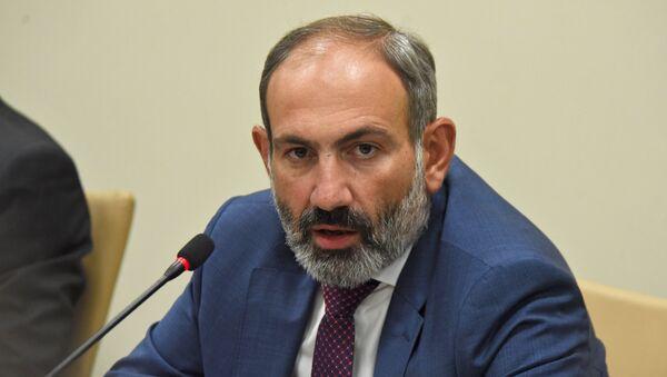 Пресс-конференция премьер-министра Армении Никола Пашиняна в оккупированном Арменией городе Ханкенди, 9 мая 2018 года - Sputnik Азербайджан